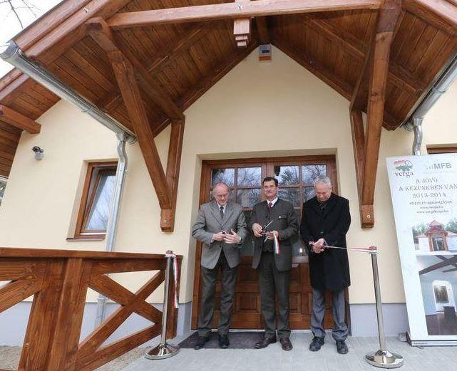 Erdei dioráma és szálláshely átadó a Hubertus Erdészeti Erdei Iskolában