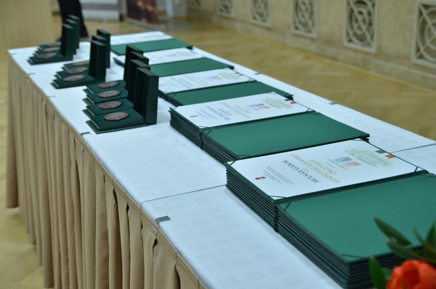 Pro Silva Hungariae díjak adományozása a Földművelésügyi Minisztériumban