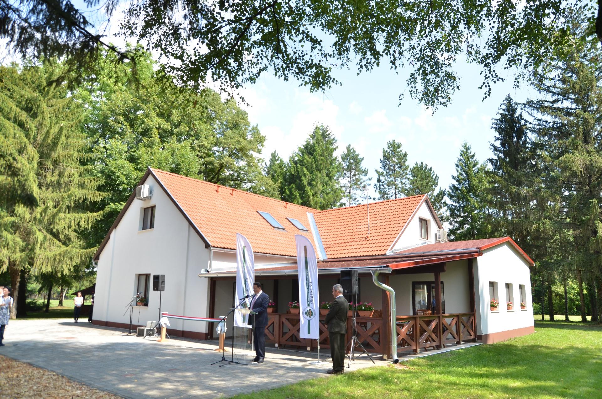 Vendégház fejlesztést adott át a Gemenc Zrt. Hajósszentgyörgyön