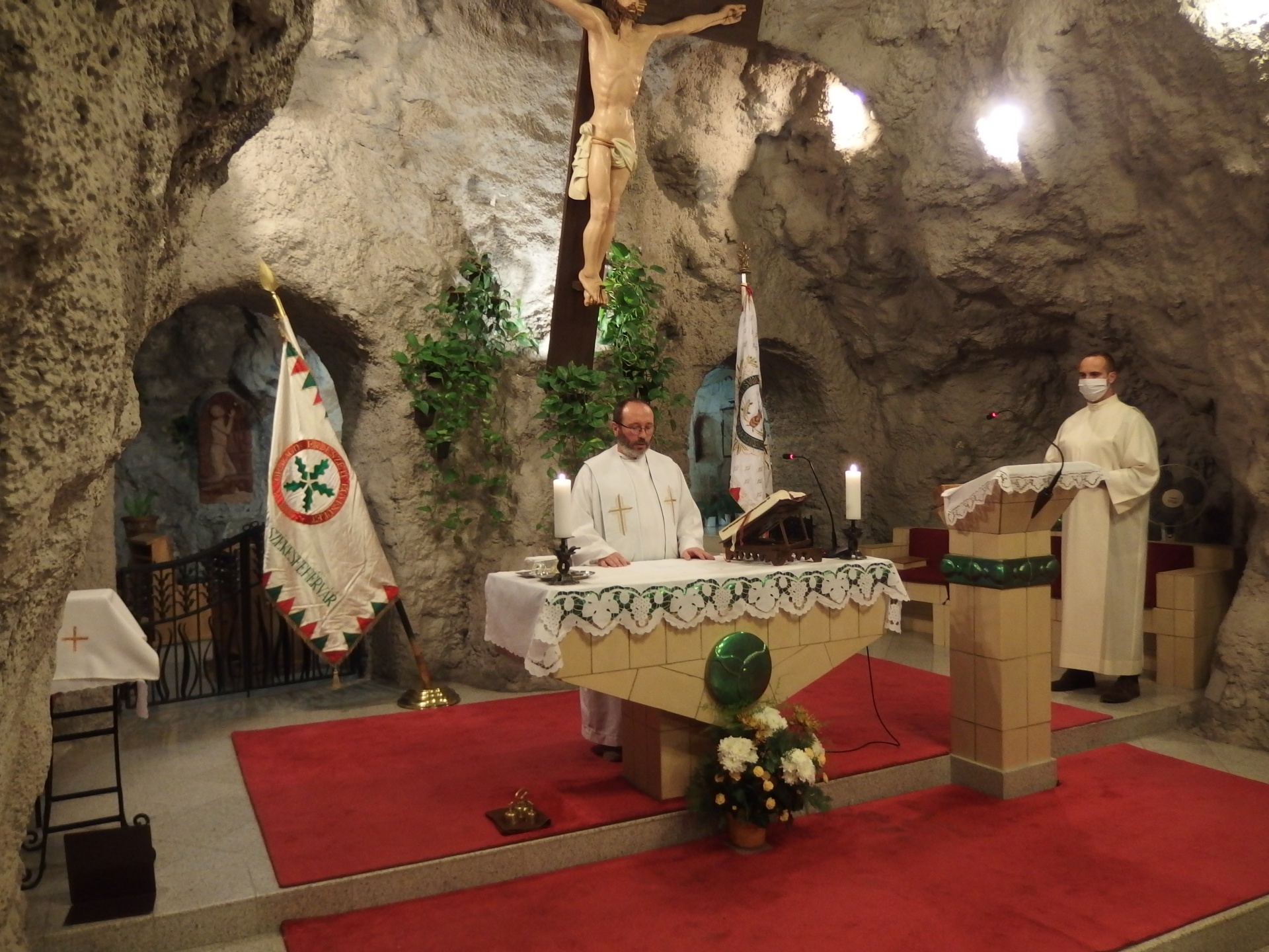 Erdész szentmise a Sziklatemplomban