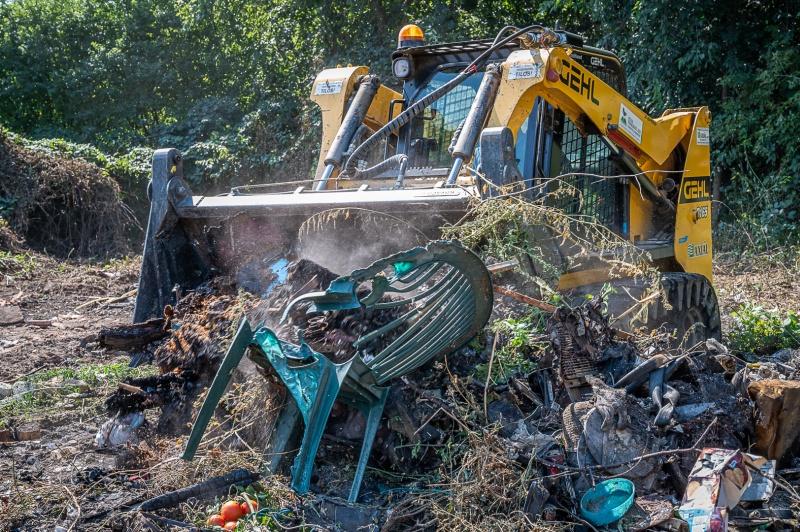 Több mint tízezer tonna illegális hulladéktól tisztult meg eddig az ország